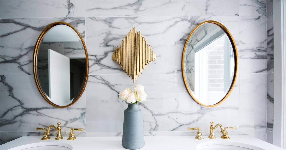 Specchi Per Il Bagno Idee Funzionali Per Un Bagno Di Design